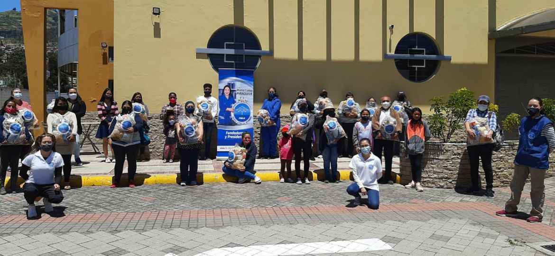 En Ecuador se entregaron sonrisas acompañadas de más de 2400 ayudas alimentarias.