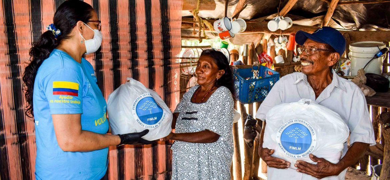 Entrega de mercados en la ranchería Wayuu Jonchon