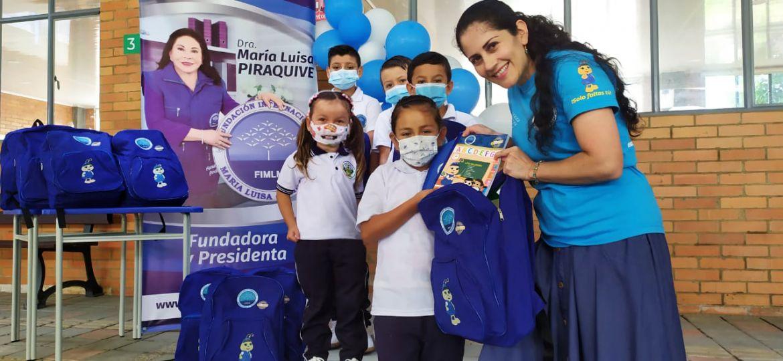 Entrega de kits escolares en Chipatá, Santander. Agosto 2021